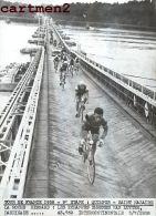 PHOTOGRAPHIE ANCIENNNE TOUR DE FRANCE 1958 QUIMPER-SAINT-NAZAIRE LA ROCHE-BERNARD LUYTEN CYCLISME SPORT CYCLISTE - Sports
