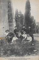 30)  ROCHEFORT Du GARD  - Sur La Sainte Montagne - Un Groupe De Nîmois Au Jardin Du Nord - Rochefort-du-Gard