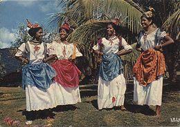 X116654 ANTILLES RADIEUSES MARTINIQUE FOLKLORE ANTILLAIS FEMMES DANSEUSES DU GROUPE FOLKLORIQUE LOULOU BOISLAVILLE - Martinique