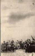 LA PARTIE DE CARTES DANS UNE TRANCHEE INTERROMPUE PAR LE PASSAGE D'UN TAUBE - Guerra 1914-18