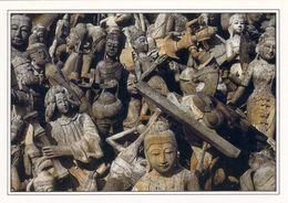 1 AK Thailand * Buddhas, Celestial Maidens, Monks And Christians Madonnas * - Thaïlande