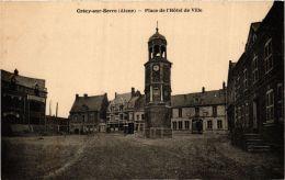 CPA Crécy Sur Serre. Place De L'Hotel De Ville. (666375) - Andere Gemeenten