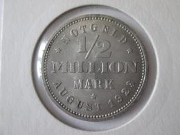 Rare! 1923 German Notgeld 1/2 Million Mark Hamburg,diameter=28 Mm - Other