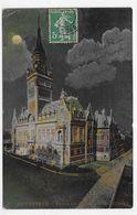 (RECTO / VERSO) DUNKERQUE - N° 57 - L'ENSEMBLE DE  L' HOTEL DE VILLE DE NUIT - LEGER PLI BAS A GAUCHE - CPA VOYAGEE - Dunkerque