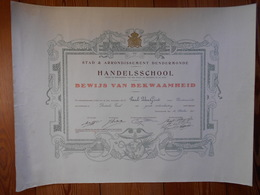 Diploma Handelsschool Stad & Arrondissement Dendermonde 1925 Van Geirt Paul 42,5cm Op 56cm - Diplômes & Bulletins Scolaires