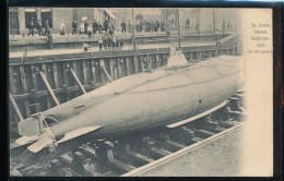 De Eerste Nederl. Onderzee - Boot -- ( In Droogdok ) - Krieg