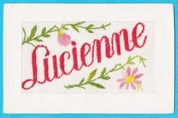Carte Brodée Prénom Lucienne - Brodées