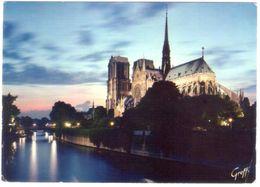Paris Notre Dame. VG. - Notre Dame De Paris