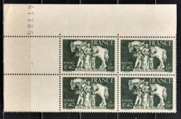 FRANCE 1943 - Y.T. N° 586 / BLOC DE 4 TP COIN DE FEUILLE / NEUFS** - France