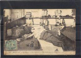 60331 . BEAUVAIS . LA CASERNE . UNE CHAMBREE . L INSTALLAGE  . (recto/verso)   ANNEE  1906 - Beauvais
