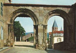 71 - CLUNY - Arcades Romanes (XIIe S.), Portes De L'enceinte Abbatiale - Cluny