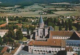 71 - CLUNY - Vue Aérienne. L'Abbaye (XIe-XIIe S.) Et Ecole Des Arts Et Métiers - Cluny