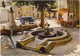 ST MARTIN DE LONDRES La Place Et Sa Fontaine ( Citroen DS Estafette Renault Monument Aux Morts Pompe A Essence ... ) - Frankrijk