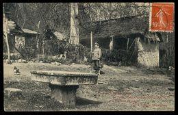 Environ De Port-Mort - La Table Où Déjeunèrent François 1er Et La Duchesse D'Etampes - Autres Communes