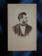 Photo CDV T. Cognacq à La Rochelle - Second Empire Notable De Profil, Rouflaquette Vers 1865 L356 - Photographs