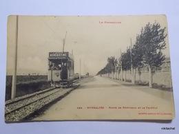RIVESALTES-Route De Perpignan Et Le Tramway-Le Roussillon Chez Labouche N° 565 - Rivesaltes