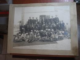 Photographie Sur Carton - Algérie - Groupe De Travailleurs - Début XXème Siècle - Photo Idéal-Photo à Alger - Anonyme Personen