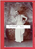 MYANMAR BURMA BIRMANIE VERS 1920 DANSEUSE DANCER GIRL CARTE PHOTO EN TRES BON ETAT - Myanmar (Burma)