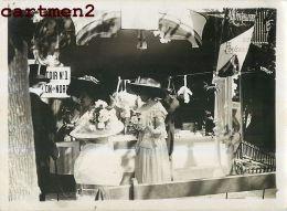 KERSAINT GRANDE PHOTOGRAPHIE ANCIENNE : KERMESSE DU PALAIS ROYAL LA CANTINE FETE BRETAGNE FINISTERE - Kersaint-Plabennec