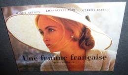 Carte Postale - Une Femme Française (film - Cinéma - Affiche) Emmanuelle Beart - Posters On Cards