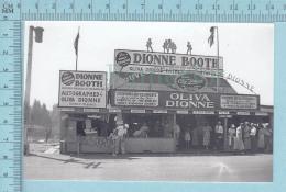 """Les Quintuplées Dionne # 23 - CPM """" Jumelles Dionne""""  Né En 1934, Dionne Booth Souvenir - Ont, Canada - Non Classés"""