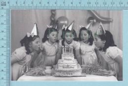 """Les Quintuplées Dionne # 13 - CPM """" Jumelles Dionne""""  Né En 1934,Souflant Des Chandelles - Ont, Canada, Reproduction - Groupes D'enfants & Familles"""