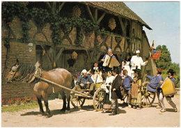 71. Gf. LOUHANS. Départ Pour La Fête Au Village - Louhans