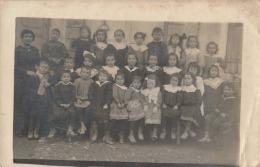 OP14- 81) GOS LE 15 AVRIL 1909 - CARTE PHOTO  - ECOLE DE GARÇONS ET FILLES  AVEC INSTITUTRICE - 2 SCANS - France