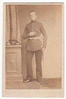 Photo CDV Format - Militärfoto ± 1865 Deutscher Soldat Uniform - Fotograf: Gebr. Sann, Magdeburg - Krieg, Militär