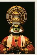 Serie Cartoline Dal Mondo De Agostini INDIA - KERALA Un Attore Teatro Kathakali - Cartoline