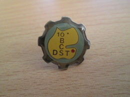Pin414b  Pin's Pins / Rare Et De Belle Qualité POLICE ROUE DENTEE DST 10e BCS - Police