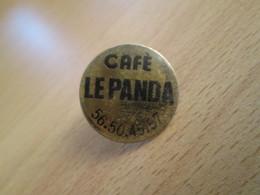 Pin414c  Pin's Pins / Rare Et De Belle Qualité BOISSONS / CAFE LE PANDA BAR BISTROT - Beverages