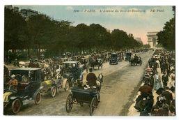 CPA 75 Paris 16 L'Avenue Du Bois-de-Boulogne Animé Calèches - Arrondissement: 16