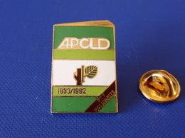 Pin's La Poste PTT - APCLD Solidarité 1933 1992 - Association Malades Handicapés - France Télécom (QC29) - Mail Services