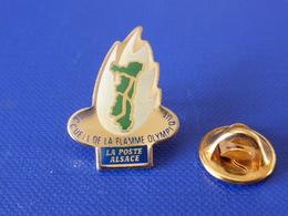 Pin's La Poste PTT - Accueil De La Flamme Olympique Albertville 92 Alsace - Jeux Olympiques - France Télécom (QC30) - Mail Services