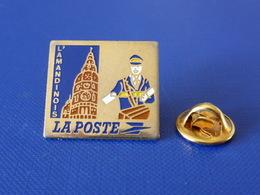 Pin's La Poste PTT - L'Amandinois Faiencerie Saint Amand Les Eaux - France Télécom (QC34) - Mail Services