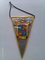 Banderín De Palencia. Castilla Y León. España. Años '60-'70 - Escudos En Tela