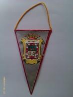Banderín De Granada. Andalucía. España. Años '60-'70 - Escudos En Tela