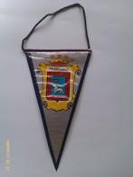 Banderín De Pamplona. Navarra. España. Años '60-'70 - Escudos En Tela