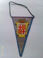 Banderín De Barcelona. Cataluña. España. Años '60-'70 - Escudos En Tela