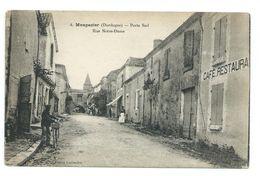 Monpazier - 24 - Porte Sud, Rue Notre-Dame, Animée, Café Restaurant, Voir Les Photos. - Autres Communes