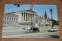 2141- Wien- Parlament - Iglesias