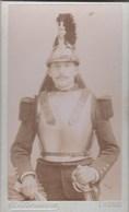 CDV  : Portrait D'un Cuirassier Avec Casque Et épée Par C Romain  Rue Colbert à Tours (37) - Guerre, Militaire