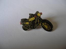 MOTO YAMAHA - Motorbikes