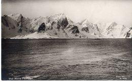 Ved Reine I Lofoten - Norvège
