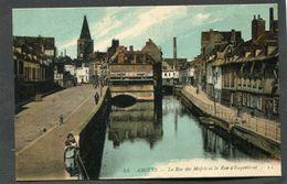 CPA - AMIENS - La Rue Des Majots Et La Rue D'Engoulvent, Animé - Amiens