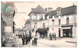 86 Les Trois Moutiers  Pharmacie Centrale, La  Grande Rue - Les Trois Moutiers