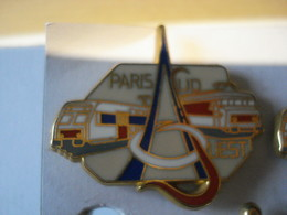 TRAIN PARIS SUD OUEST BEIGE Pin's BALLARD - TGV