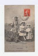 Sables D'Olonne. Petites Sablaises. Fillettes En Costume Local. (2641) - Personnages