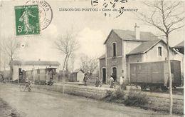 USSON DU POITOU . GARE DU TRAMWAY - France